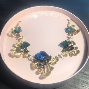 Chloe + Isabel statement necklace NIB